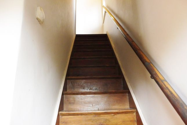 Hall/Stairs of Queens Gardens, Wombwell Barnsley S73