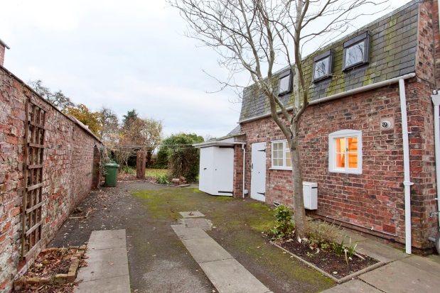 Thumbnail Flat to rent in Main Street, Heslington, York