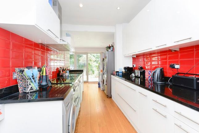 Thumbnail Property for sale in Swyncombe Avenue, London