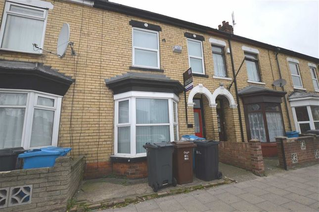 Property for sale in Newland Avenue, Hull