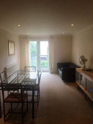 Thumbnail Flat to rent in Queen Street, Southsea