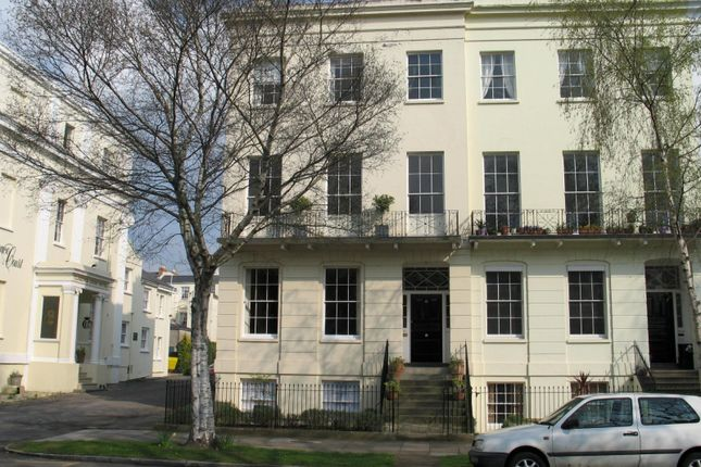 Thumbnail Property to rent in Clarence Square, Cheltenham
