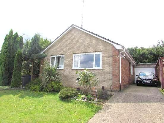 3 bed detached bungalow for sale in Holcombe Crescent, Ipswich