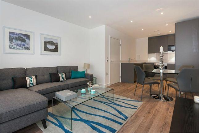 Thumbnail Flat to rent in Pinnacle Apartments, Saffron Central Square, Croydon