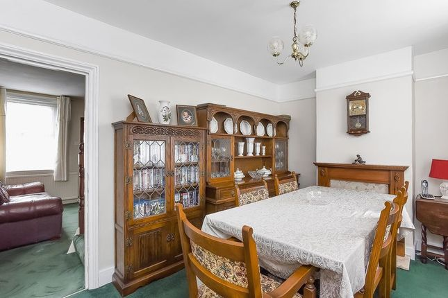 Reception One of Cray Road, Sidcup DA14