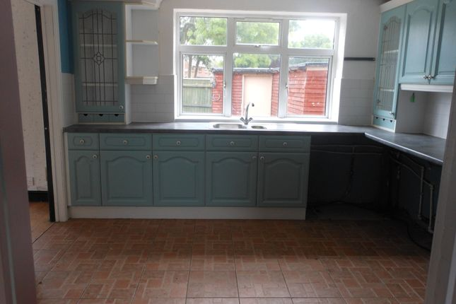 Thumbnail Semi-detached house for sale in Holme Avenue, New Waltham