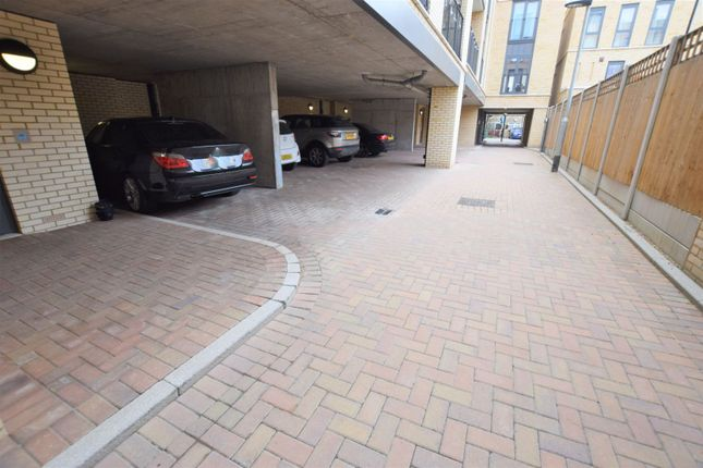 Parking of 10 Eythorne Road, Brixton / Oval SW9