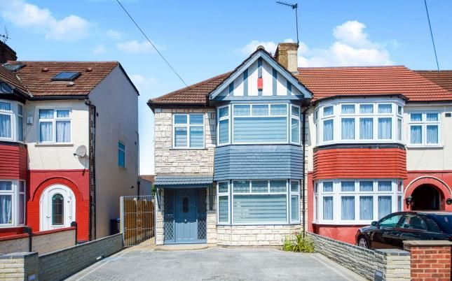 Thumbnail End terrace house for sale in New Park Avenue, Palmers Green, London, .