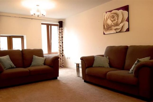 Thumbnail Flat to rent in Thornton Road, Bradford
