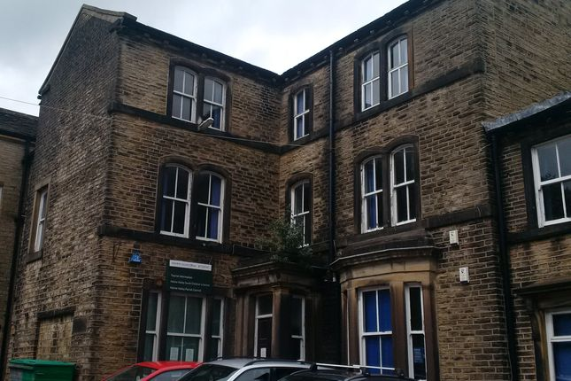 Thumbnail Shared accommodation to rent in Huddersfield Road, Holmfirth