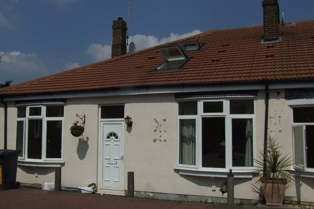 Thumbnail Bungalow to rent in Alton Gardens, Luton