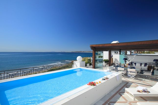 Thumbnail Apartment for sale in Estepona, Costa Del Sol, Spain