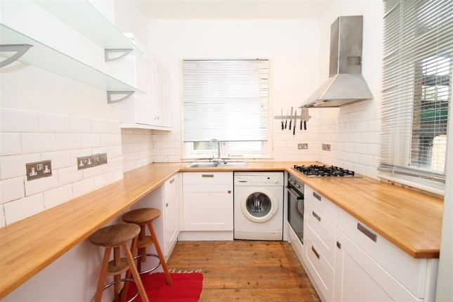 Thumbnail Property for sale in Park Avenue, Palmers Green, London