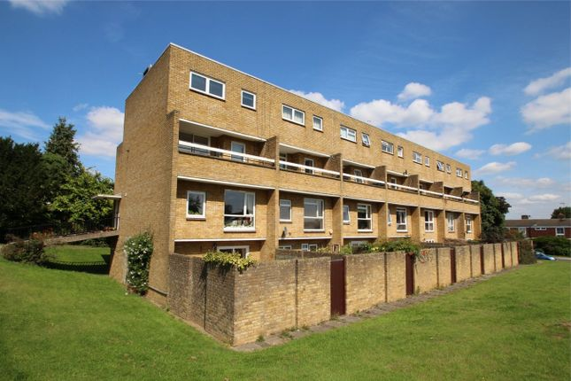 Thumbnail Flat to rent in Hayesford Park Drive, Bromley, Kent