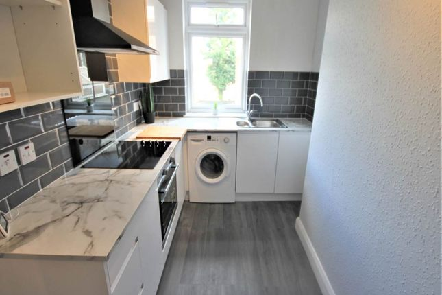 1 bed flat to rent in Cranbrook Road, Ilford, Essex IG1