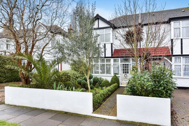 3 bed property for sale in Grasmere Avenue, Merton Park