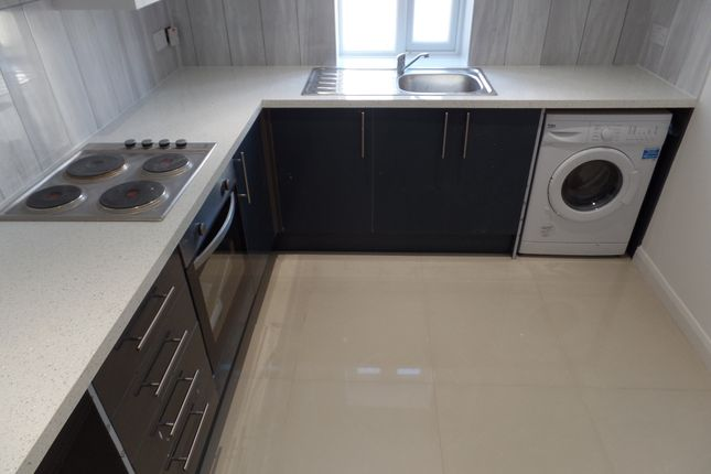 Thumbnail Flat to rent in High Street, West Drayton