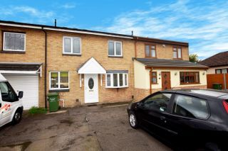 Thumbnail Terraced house for sale in Chesham Drive, Basildon