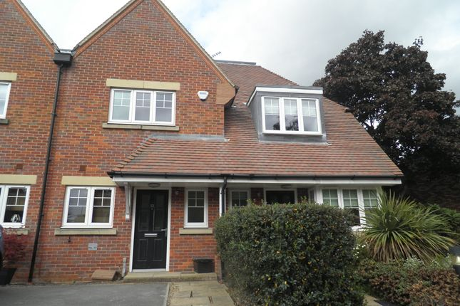 Thumbnail Terraced house to rent in Waldenbury Place, Beaconsfield, Bucks