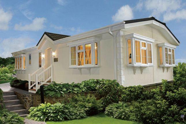 Thumbnail Mobile/park home for sale in Mytchett Farm Park, Mytchett Road, Mytchett, Camberley