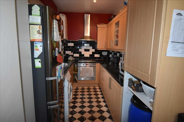 Kitchen of Lonsdale Street, Leicester LE2