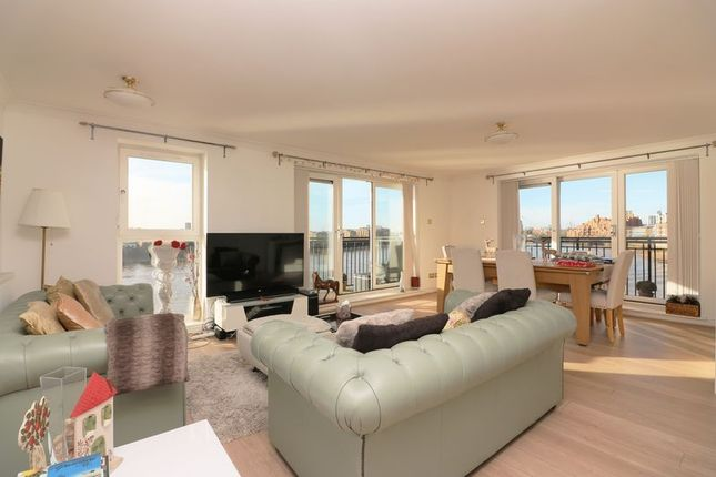 Thumbnail Flat to rent in Victoria Wharf, Limehouse