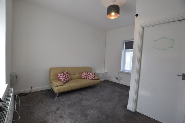 Thumbnail Flat to rent in Queen Street, Great Harwood, Blackburn