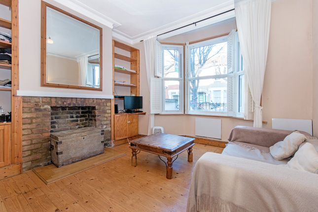 Flat in  Ground Floor Flat  Strathville Road  Earlsfield S Putney