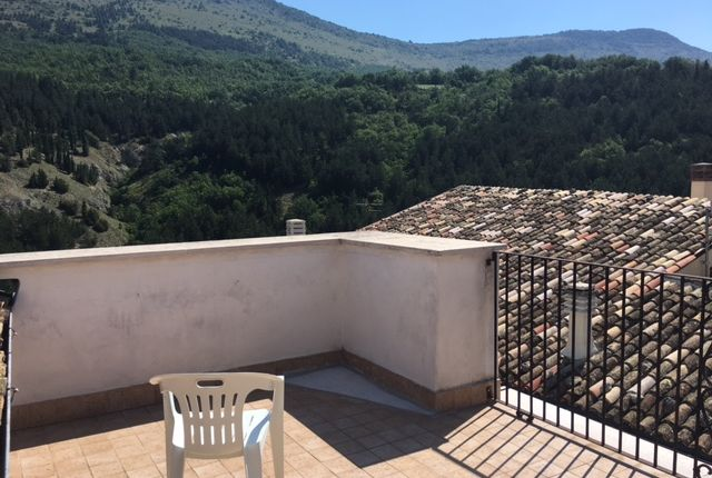 Thumbnail Detached house for sale in Castel Di Ieri, Abruzzo, Italy