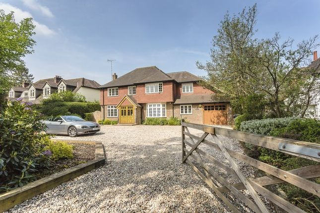 4 bed detached house for sale in Starrock Lane, Chipstead, Coulsdon