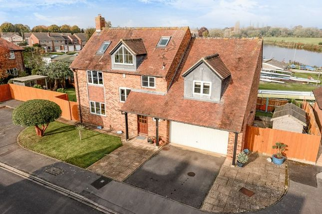 Thumbnail Detached house for sale in Kingfisher Close, Abingdon