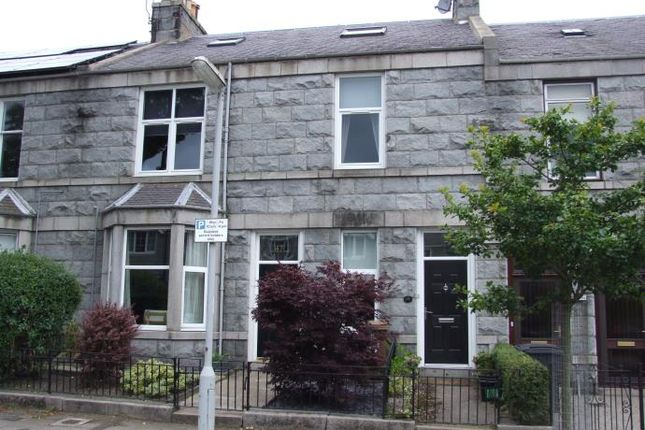 Thumbnail Flat to rent in Cairnfield Place, Aberdeen