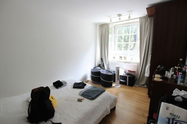 3 bed flat to rent in Boyd Street, London