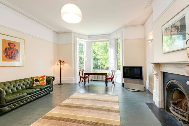 2 bed flat for sale in Arkwright Road, Hampstead