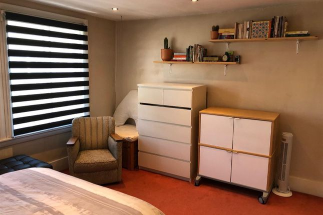 Bed 1 of Bayham Street, London NW1
