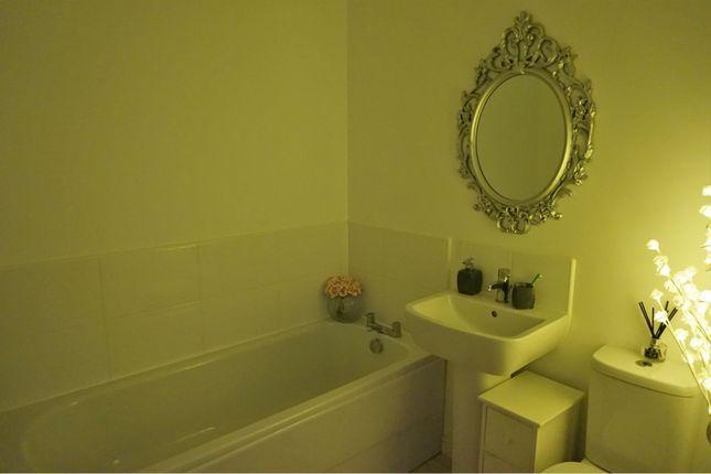 Family Bathroom of Kirkstead Drive, Dundee DD2