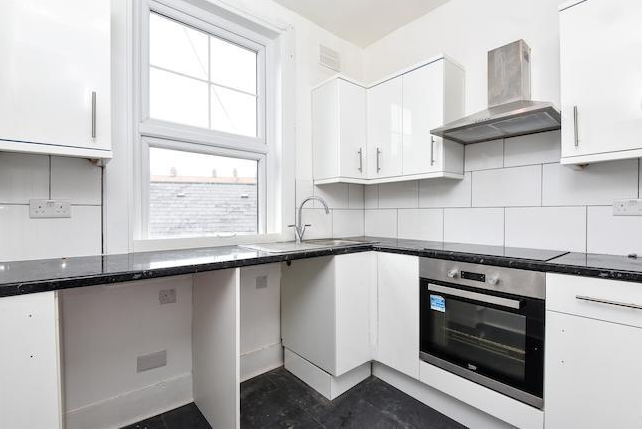 Thumbnail Flat for sale in Old Kent Road, London