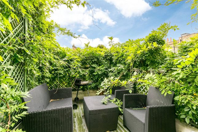 Roof Terrace of Hollywood Road, Chelsea, London SW10