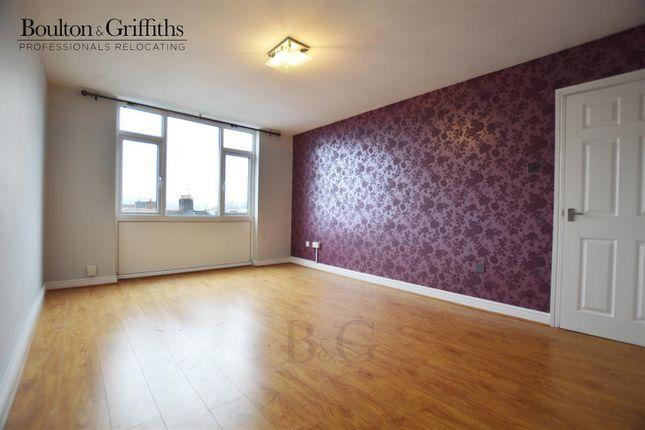 2 bed flat to rent in Bridge Street, Penarth CF64