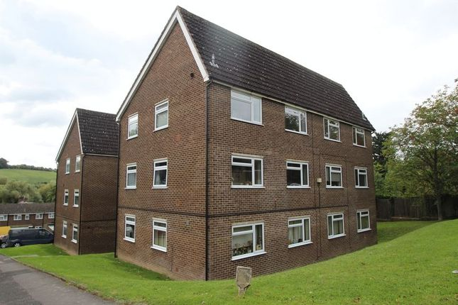 Thumbnail Flat to rent in Brambleside, High Wycombe