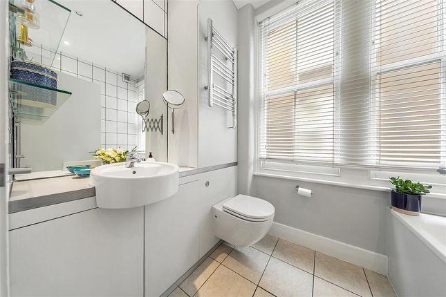 Bathroom of Queenstown Road, London SW8