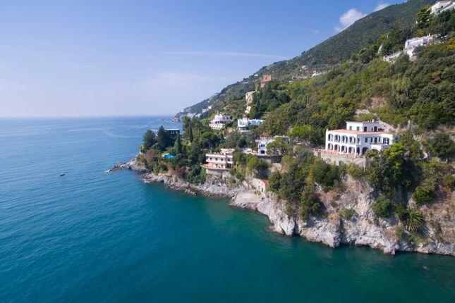 Thumbnail Villa for sale in Amalfi, Salerno, Campania, Italy