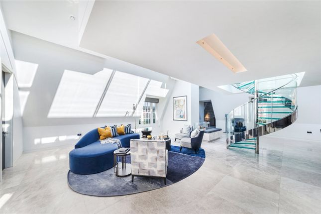 Thumbnail Flat to rent in Carlos Place, London
