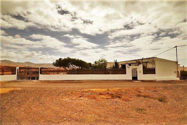 3 bed country house for sale in 35600 Puerto Del Rosario, Las Palmas, Spain