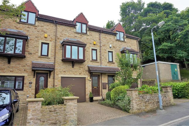 Thumbnail Town house for sale in Nab Wood Drive, Shipley