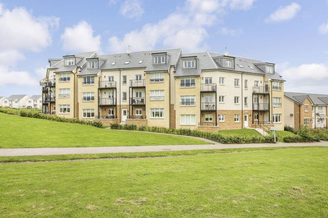 Thumbnail Flat for sale in 18C, South Chesters Gardens, Bonnyrigg