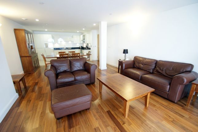 Thumbnail Flat for sale in Barry Lane, Cardiff