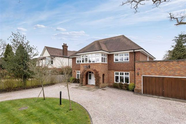 Thumbnail Detached house for sale in Hadley Green West, Hadley Green, Hertfordshire