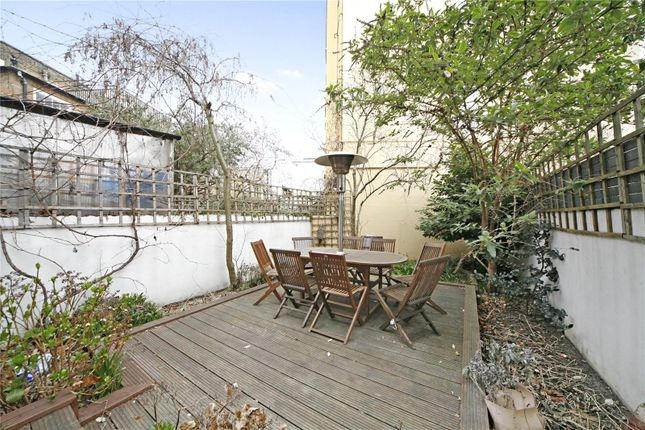 3 bed property to rent in Wandsworth Bridge Road, Fulham, London