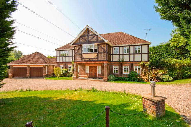 Thumbnail Detached house for sale in Oxford Close, Northwood